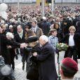 Maxima des Pays-Bas et la famille royale batave ont eu une nouvelle frayeur lors des commémorations de la Seconde Guerre mondiale, le 4 mai 2010...