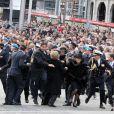 Scène de panique le 4 mai 2010 à Amsterdam, lors des 2 minutes de silence à la mémoire des victimes de la Seconde Guerre mondiale