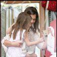 Suri Cruise et Katie Holmes en plein shopping à Los Angeles, sur le très chic Robertson Boulevard