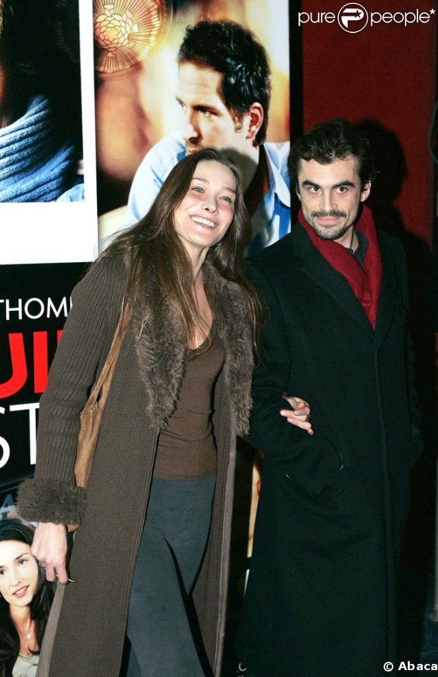 Premiere sortie officielle de l'ex de Carla Sarkozy : Raphaêl Enthoven avec Chloé Lambert