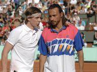 Regardez Martin Solveig et Bob Sinclar, déguisés en Borg et Agassi pour faire le show sur le Central de Roland-Garros !