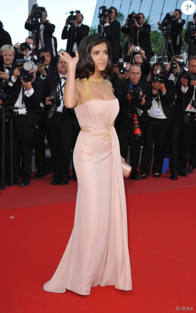 Salma Hayek Lors Du Dernier Tapis Rouge Du 63e Festival De Cannes Le 23 Mai 2010
