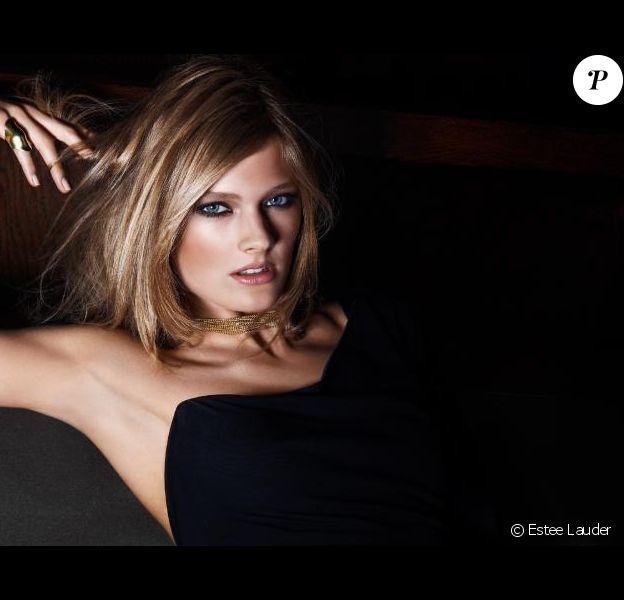Constance Jablonski pour Estée Lauder