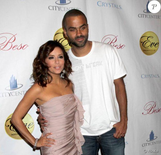 Eva Longoria et Tony Parker arrivent à l'Eve Nightclub, à Las Vegas. TiPi fête ses 28 ans ! 29/05/2010