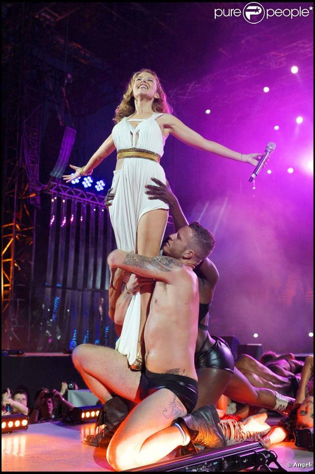 Kylie Minogue live au Wind Music Awards, à Vérone, le 30 mai 2010 !