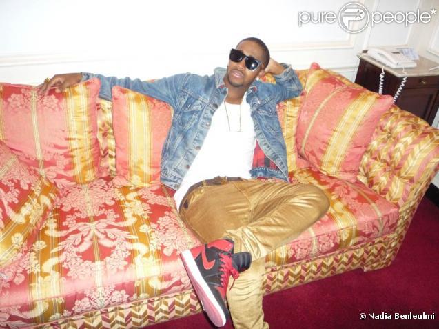 Omarion, très détendu, lors de notre interview dans son hôtel parisien, le 27 mai 2010