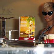 Rihanna : Le blond la rend stylée, mais elle se préfère en rouge démoniaque !