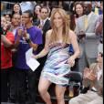 """Jennifer Lopez à Times Square afin de dévoiler la nouvelle campagne """"Be Extraordinary"""", le 10 juin 2010"""
