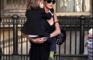 Elle Macpherson : Pour son adorable fils... elle ne recule devant rien !