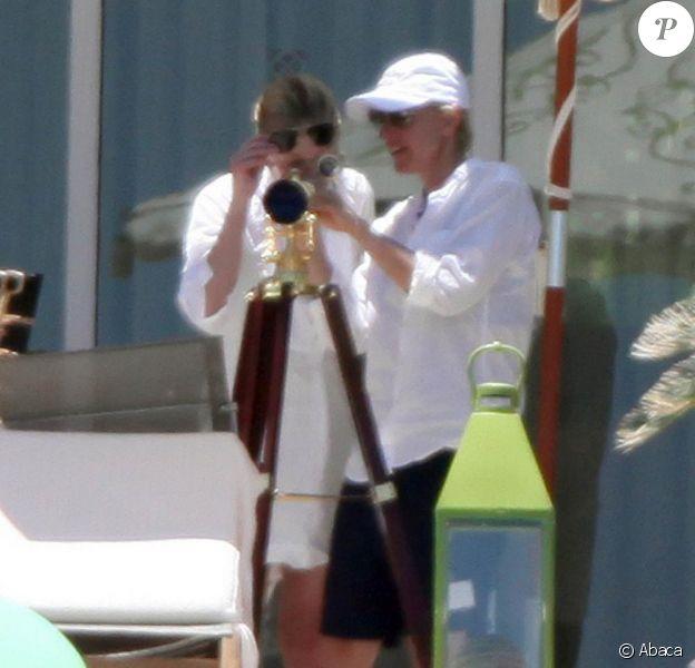 Elle DeGeneres et Portia de Rossi s'aiment plus que jamais. Elles se détendent sous le soleil de Mexico. Juin 2010