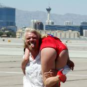 Quand la divine Dita Von Teese s'envoie en l'air avec le milliardaire Richard Branson !
