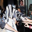 Miley Cyrus à la sortie de son salon de coiffure àNew York le 16 juin 2010