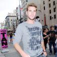 Liam Hemsworth à la sortie d'un salon de coiffure à New York le 16 juin 2010
