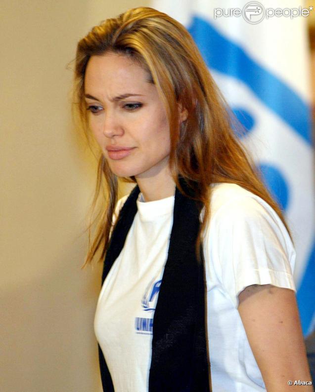 Angelina Jolie, en mission pour les Nations-Unies au Pakistan en 2005