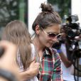 Katie Holmes et sa fille Suri sortant du Grammercy Park Hotel à New York, le 21 juin 2010