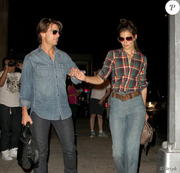Katie Holmes n'a pas l'air très souriante pour dîner en tête à tête avec son Tom Cruise de mari... parce qu'elle a abandonné sa Suri ?