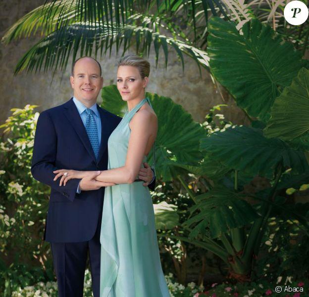 Albert de Monaco et Charlene - photographie de l'officialisation de leurs fiançailles.