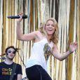 La torride Shakira, lors de sa performance au Festival de Glastonbury, en Angleterre, le 26 juin 2010.