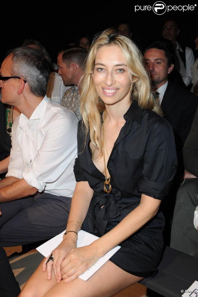 Alexandra Golovanoff au défilé de la collection masculine Hermès Printemps-Été 2011. 26 juin 2010