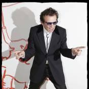 Philippe Manoeuvre contre la bête... pour le dieu du Rock'n'Roll !
