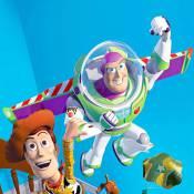 """Regardez la compétition opposant les jouets de """"Toy Story 3"""" aux nouveaux produits high-tech !"""