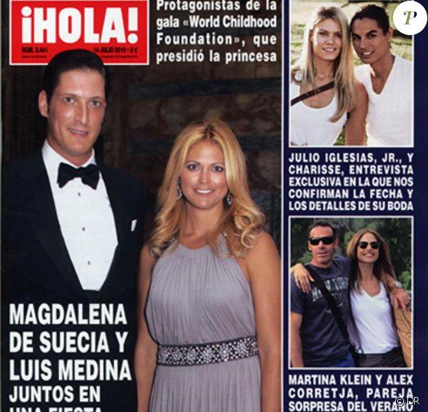 L'ancien tennisman espagnol Alex Corretja, après un mariage d'une quinzaine d'années avec Marta, connaît un nouvel amour... A l'été 2010, il s'affiche avec le mannequin Martina Klein (cf. une de Hola!) !