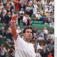 L'ancien tennisman espagnol Alex Corretja, après un mariage d'une quinzaine d'années avec Marta, connaît un nouvel amour... A l'été 2010, il s'affiche avec le mannequin Martina Klein !