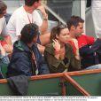 L'ancien tennisman espagnol Alex Corretja, après un mariage d'une quinzaine d'années avec Marta (photo), connaît un nouvel amour... A l'été 2010, il s'affiche avec le mannequin Martina Klein !