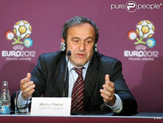 Le président de l'UEFA, Michel Platini, a été victime d'un malaise à Johannesburg (Afrique du Sud), alors qu'il dînait dans un restaurant aux côtés de Gérard Houllier.