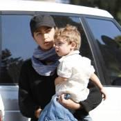 Camila Alves a tenté de se cacher... Mais son petit Levi trop craquant, ne passe pas inaperçu !