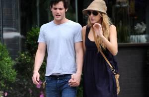 Blake Lively et Penn Badgley : Deux amoureux qui n'ont pas peur de batifoler en public...