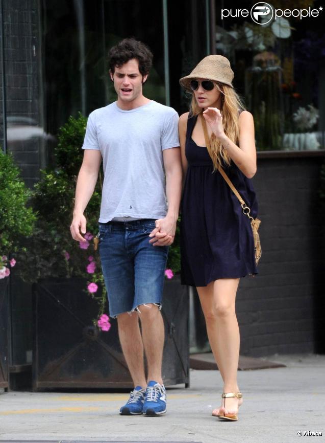 Blake Lively et Penn Badgley en amoureux à New York, le 12 juillet 2010