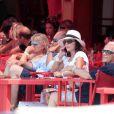 Joan Collins à Saint-Tropez, le 18 juillet 2010.