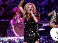 Kesha en mode hard rockeuse de diamant... ouvre le bal pour le duo Rihanna et Eminem !
