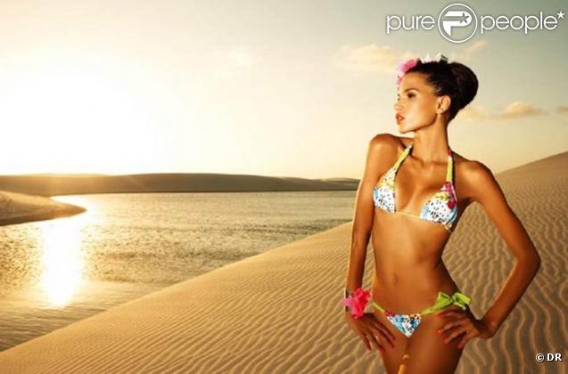 La belle Raica Oliveira pour la collection 2010 des maillots de bains de chez Banco de Areia.