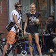 Jessica Hart et son boy-friend à New York le 16 juillet