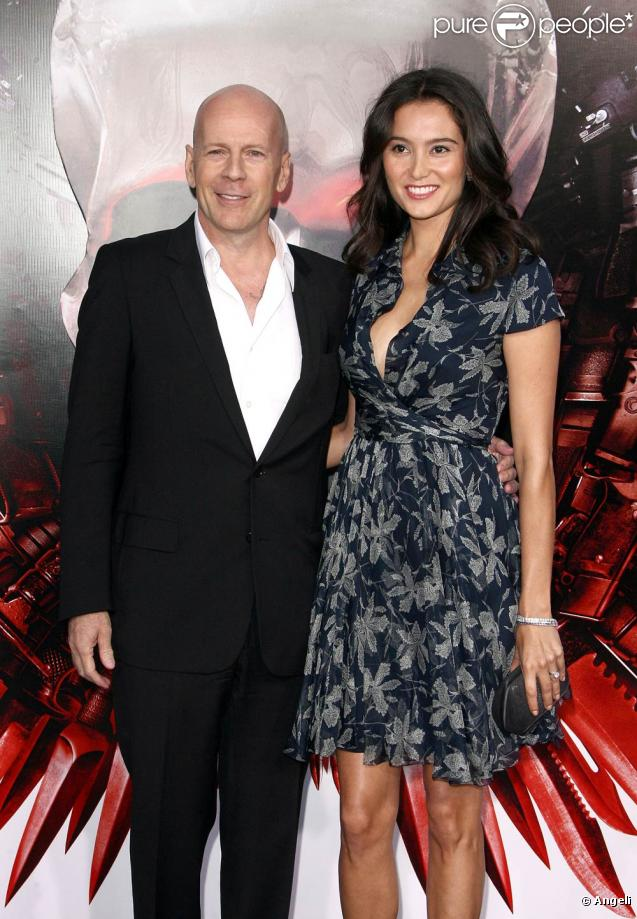 Bruce Willis et Emma Heming, lors de l'avant-première de The Expendables , au Graumann's Chinese Theatre d'Hollywood, à Los Angeles, le 3 août 2010.