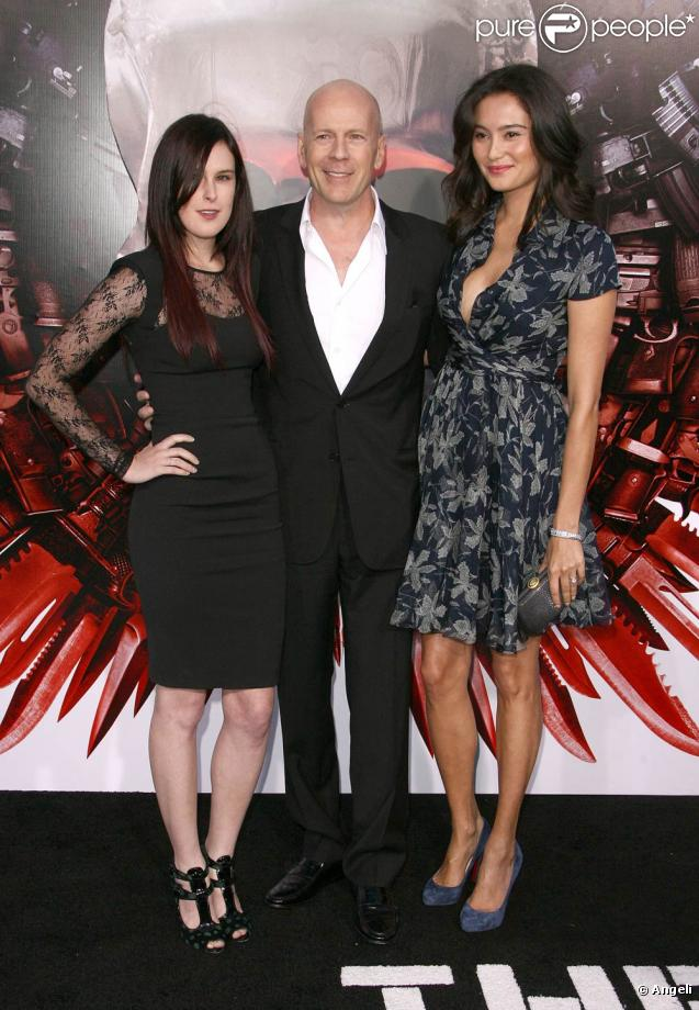 Rumer Willis, Bruce Willis et Emma Heming, lors de l'avant-première de The Expendables , au Graumann's Chinese Theatre d'Hollywood, à Los Angeles, le 3 août 2010.