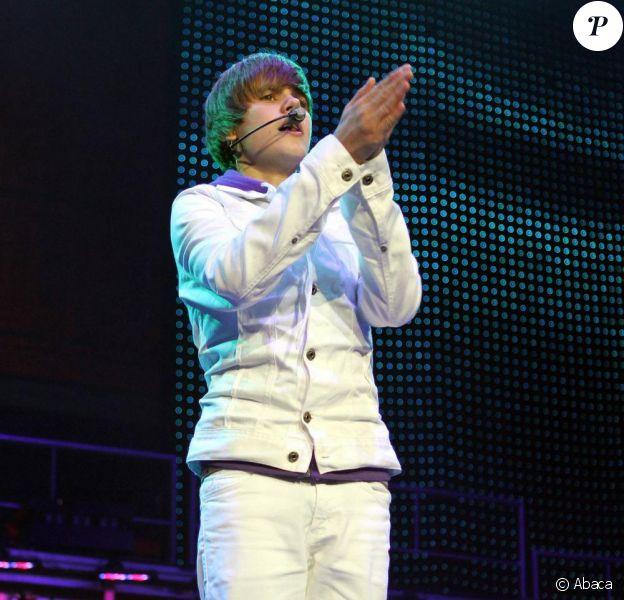 Justin Bieber se produit à Fort Lauderdale (USA), jeudi 5 août, dans le cadre de sa tournée nord-américaine.