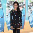 Katerina Graham aux Teen Choice's Awards : La cuissarde + une robe incrustée de pierres cheap = un look qui ne mérite même pas l'attention !