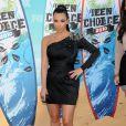 Kim Kardashian aux Teen Choice's Awards avec une robe trop courte, trop ajustée, too much !