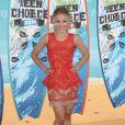 Kristen Bell aux Teen CHoice's Awards avec un ensemble certes audacieux mais pas du meilleur effet