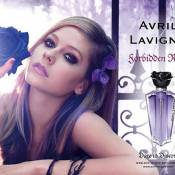 Avril Lavigne transformée en femme glamour envoûtante !