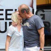 Kelsey Grammer : Pas encore divorcé, il multiplie les élans de tendresse avec sa jeune compagne, enceinte !