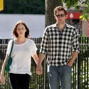 Emily Blunt : Collée à son mari John Krasinski, ça fait plaisir à voir !