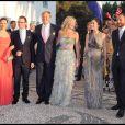 Le 25 août 2010, le prince Nikolaos de Grèce, 40 ans, et sa belle Tatiana Blatnik, 29 ans, se mariaient, au coucher de soleil, sur l'île grecque de Spetses. Victoria et Daniel, Willem-Alexander et Maxima, Mary de Danemark et Haakon de Norvège.