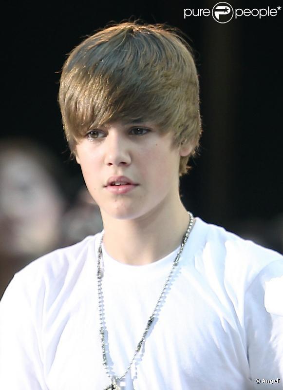 Justin Bieber est actuellement en tournée. Il a cependant trouvé le temps de relever le Milk Challenge de Make Mine Milk !