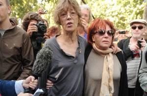 Régine, Jane Birkin, Agnès Jaoui et de nombreux artistes ont chanté pour les Sans Papiers sous les fenêtres d'Eric Besson !