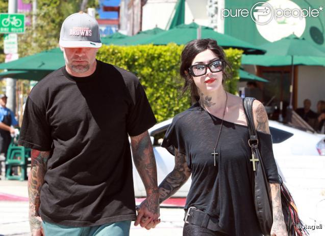 Jesse James, l'ex-mari de Sandra Bullock, a retrouvé l'amour dans les bras de la tatoueuse professionnelle Kat Von D. Ils s'affichaient main dans la main à West Hollywood, ce vendredi 3 septembre.