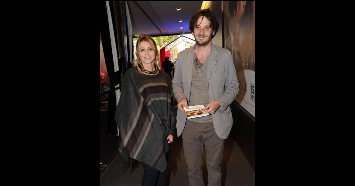 Julie zenatti et son compagnon le com dien benjamin bellecour lors de la pr sentation du film - Damien thevenot et son compagnon ...